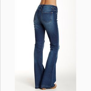 NWT Vigoss the Jagger Flare Jeans sz 26